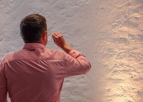 Höchste Konzentration. Oder: Der mit der Wand trinkt. Grosse Gewächse 2013 in Deidesheim. Foto © LL www.kingscreek.de