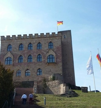 Hinauf zum Schloss © Matthias Krieger