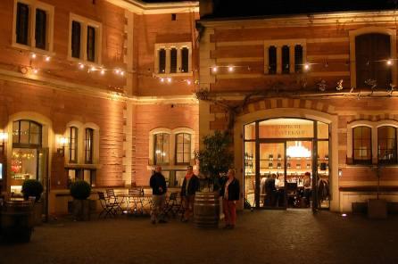 Die Vinothek am Abend, (C) Stephan Nied