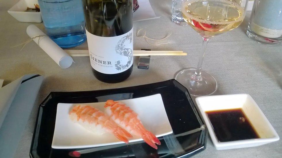 Shrimp Nigiri // 2014 Grauer Burgunder trocken © Stephan Nied