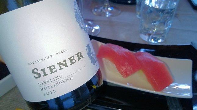 Thunfisch Nigiri // 2013 Riesling trocken –Rotliegend-© Stephan Nied
