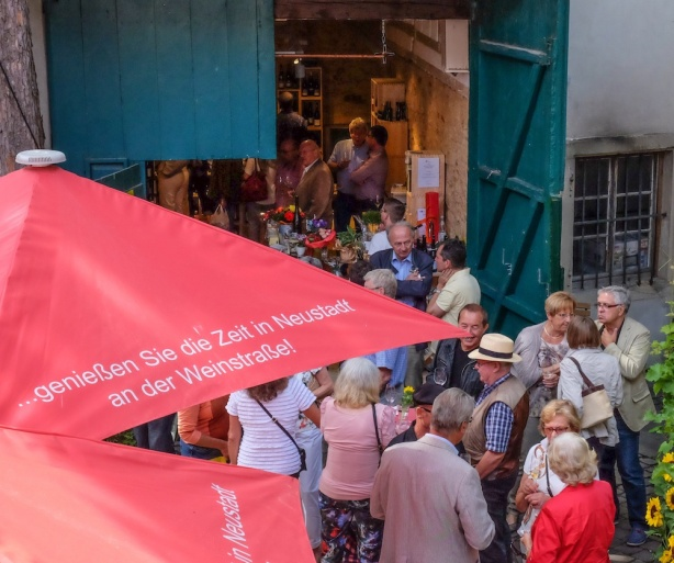 Andrang bei Eröffnung © LL kingscreek.de