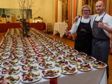 Eva, Gustav och 250 jultallrikar © LL kingscreek.de