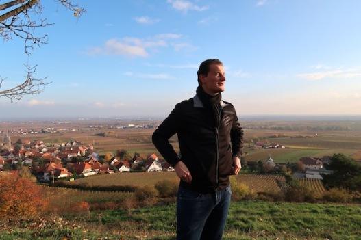 Felix Balke führt durch den Schäwer